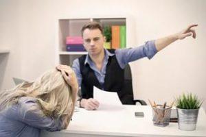 Увольнение во время больничного: можно ли уволиться