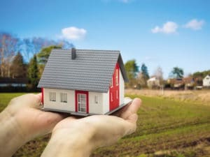 Земля бесплатно молодой семье от государства в 2017-2018 году: условия получения земельного участка