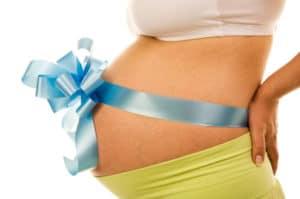 Подарки по родовому сертификату: особенности и порядок получения в 2018 году