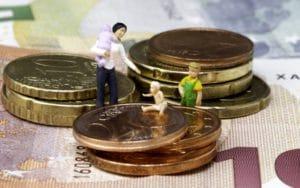 Пособия и выплаты на ребенка в Тюмени в 2017-2018 году: федеральные и региональные, размеры выплат, порядок и условия получения, необходимые документы