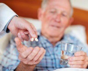 Льготы, компенсации и пособия по уходу за престарелыми людьми: порядок и условия получения в 2018 году, размер выплат