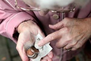 Заморозка накопительной части пенсии: что это и что значит простым языком, законопроекты и последние новости