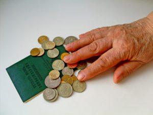 Пенсия иностранцам в России: размер в 2018 году, порядок оформления, условия и особенности получения