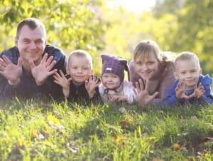 Жилье для многодетных семей в 2017-2018 году: субсидии, льготы и помощь в получении, программы, законы