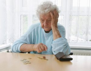 Социальная пенсия сиротам до и после 23 лет: размер в 2017-2018 году, сроки выплат, особенности и условия назначения, законопроекты