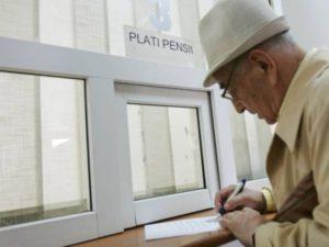 Пенсия работающим пенсионерам в 2018 году: последние изменения и новости, индексация и повышение пенсии, новые законы, порядок начисления и выплаты