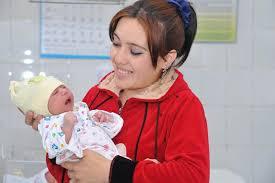 Декретный отпуск и детские пособия на бабушку: сроки и размеры выплаты, особенности и правила оформления, порядок начисления, необходимые документы