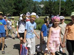 Бесплатная путевка в лагерь для детей в 2018 году: кому положено, правила и условия получения, необходимые документы