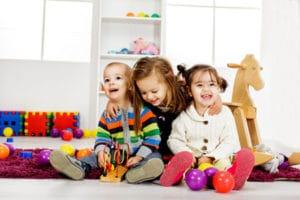Формирование очереди и порядок приема в детский сад в Ульяновске в 2018 году: особенности и правила постановки, необходимые документы, льготный список и электронная очередь, узнать свой номер