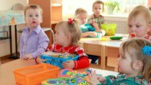 Формирование очереди и порядок приема в детский сад в Сургуте в 2018 году: особенности и правила постановки, необходимые документы, льготный список и электронная очередь, узнать свой номер