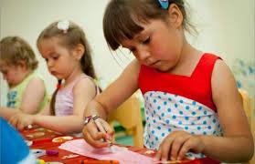 Формирование очереди и порядок приема в детский сад в Москве в 2018 году: особенности и правила постановки, необходимые документы, льготный список и электронная очередь, узнать свой номер