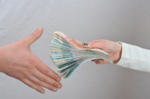 Пособия и выплаты на ребенка в Ростове-на-Дону в 2018 году: федеральные и региональные, размеры выплат, порядок и условия получения, необходимые документы
