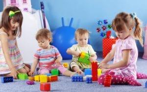 Субъектам РФ выделят деньги для создания групп по присмотру за маленькими детьми - Льготы всем