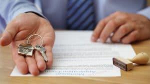 Изображение - В каких случаях можно использовать материнский капитал для покупки квартиры Kakie-dokumenty-nuzhny-dlya-pokupki-kvartiry-300x169