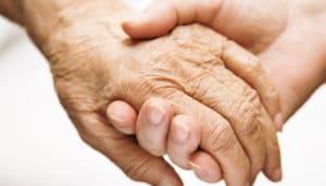 Льготы и выплаты по уходу за пожилым человеком в 2020 году