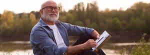 Доплата к пенсии после 80 лет в России