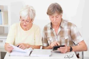 Могут ли судебные приставы наложить арест на пенсию