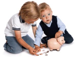 Ежемесячные пособия по уходу за ребенком в 2020 году