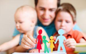 Материальная сторона воспитания детей: сколько платят за приемного и усыновленного ребенка?