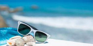Изображение - Дополнительный отпуск ветеранам боевых действий в 2019 году изменения summer_vacation_beach_accessories_glasses_sun_shells_blue_sky_sea_revel-660x350_1-300x150