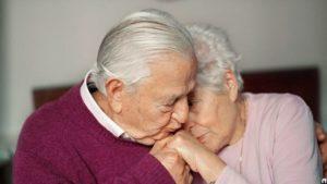 Как москвичам, прожившим в браке более 50 лет, получить единовременную выплату