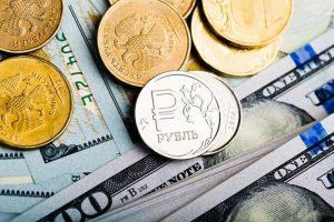 Девальвация рубля грозит россиянам новой опасностью