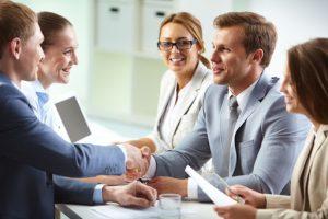 В бизнес попадают по знакомству