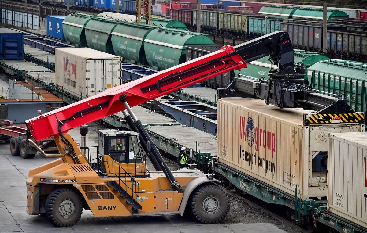 Увеличились объемы несырьевого неэнергетического экспорта из РФ