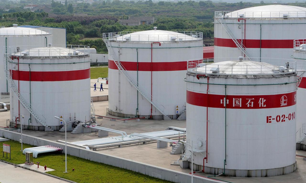 Китайские нефтехранилища переполнены. Возможно ли повторение прошлогоднего сценария?