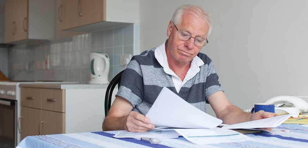 Доплата в феврале для пенсионеров, уволившихся с работы