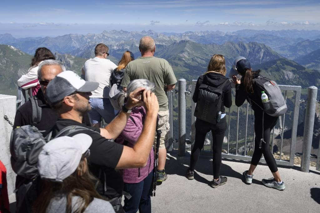 Россияне увеличили расходы на развлечения и туризм в 2 раза