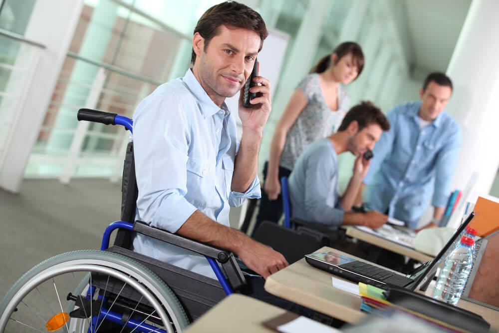6 профессий, подходящих для инвалидов (не в интернете)