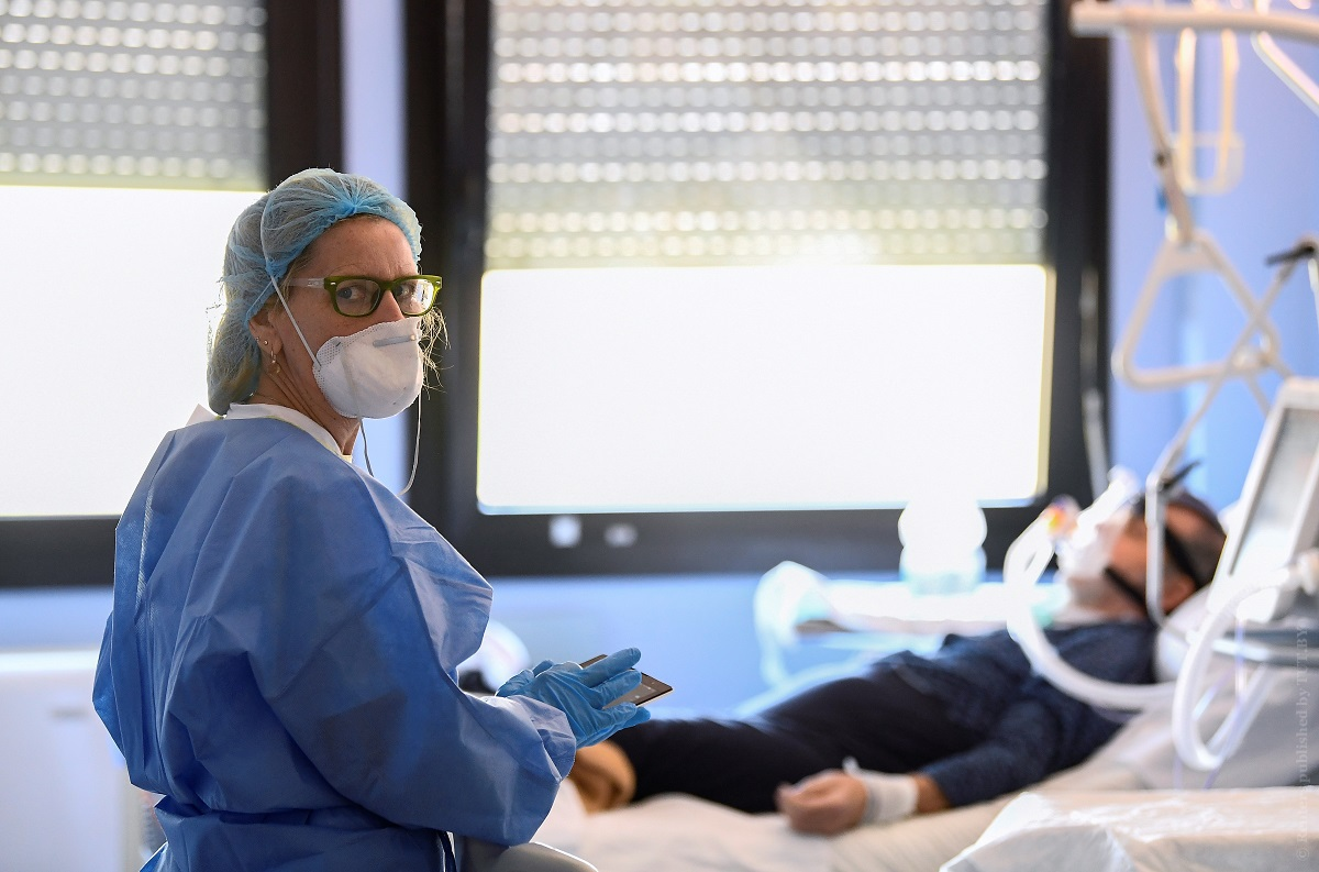 Медикам Москвы, работающим с коронавирусными пациентами будут ежемесячно выплачивать дополнительную сумму из городского бюджета