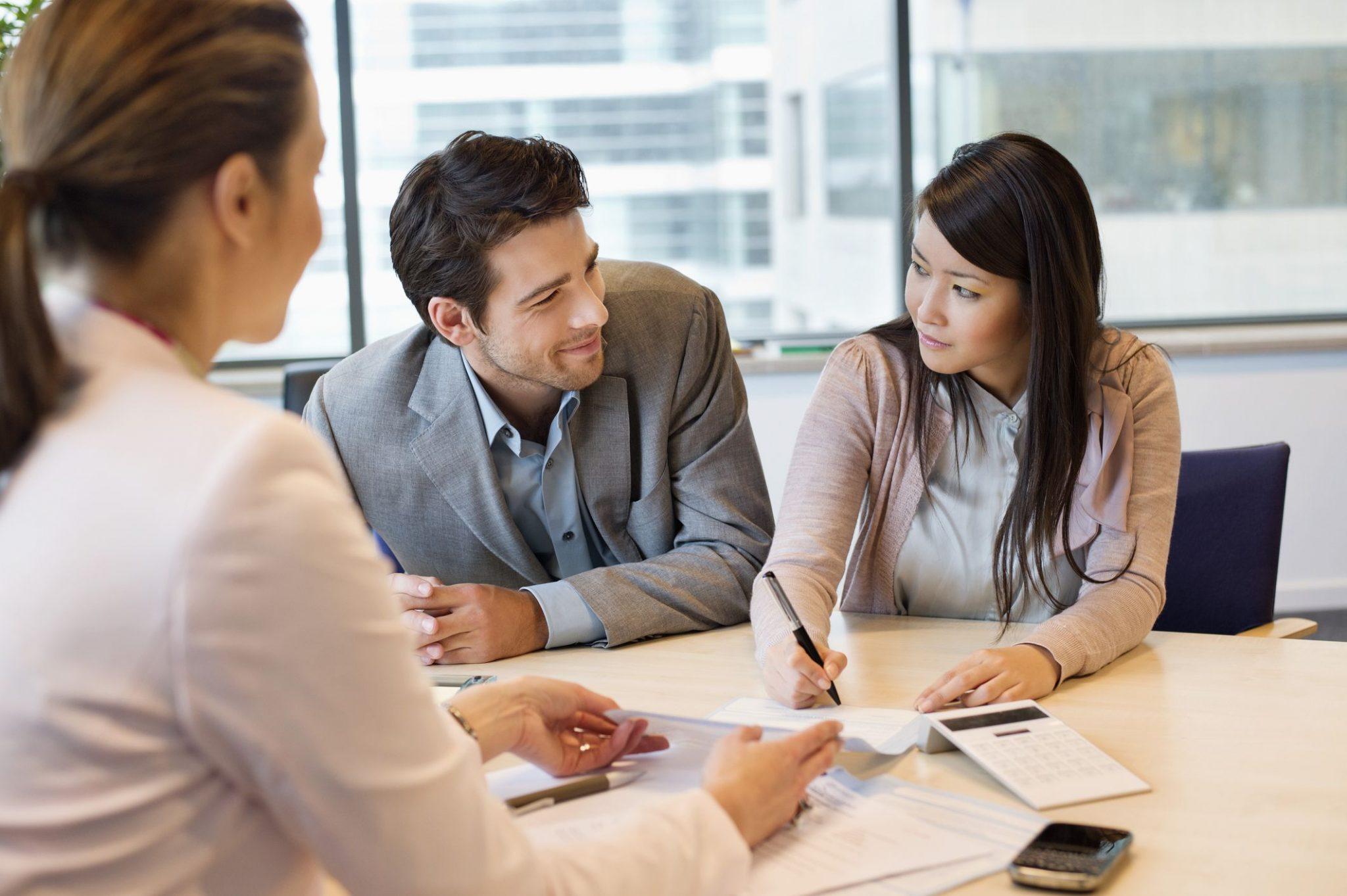 Женщины или мужчины: названы самые ответственные заемщики