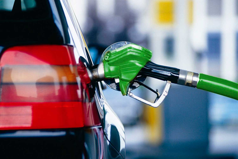 Средние цены на бензин в РФ за неделю выросли