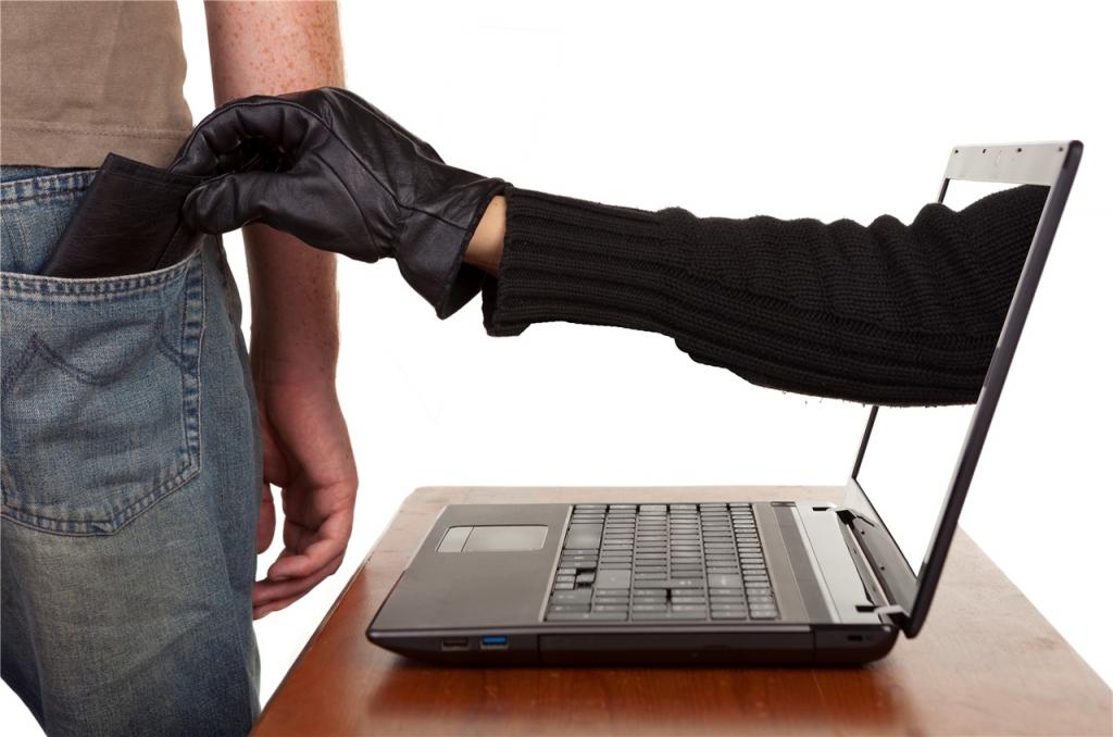Знаковый голос в телефоне просит занять ему денег? Это мошенник говорит голосом вашего сына/друга!