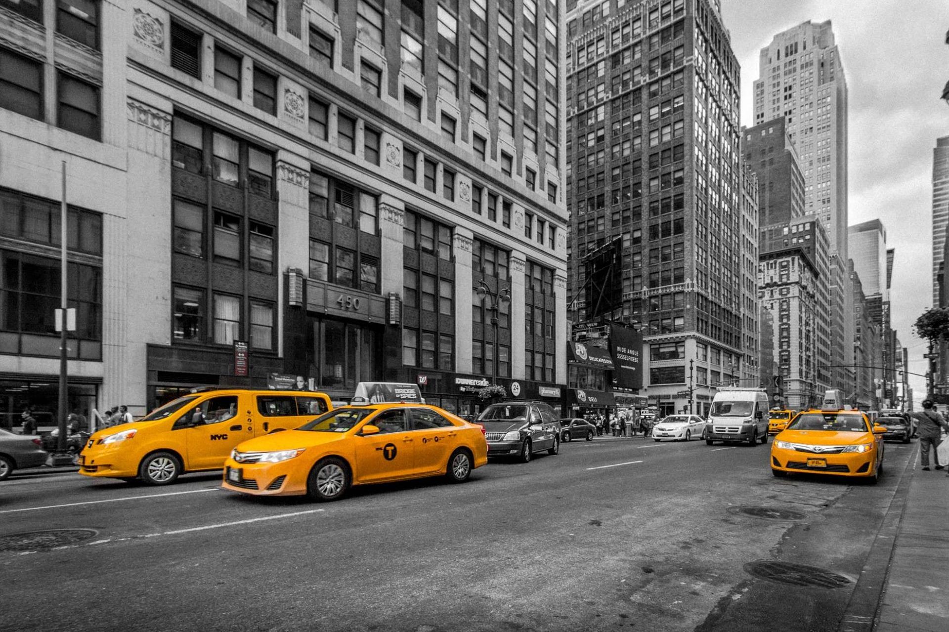 Работа в такси набирает популярность в России