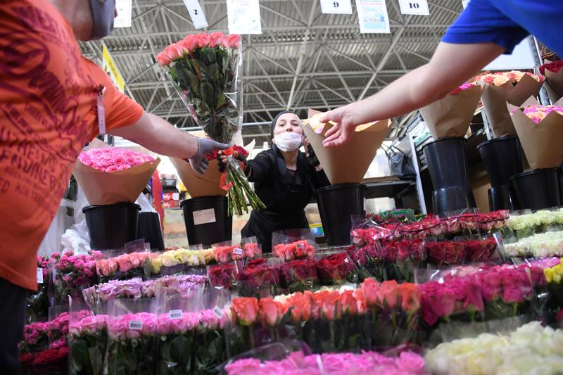 В России рекордно подорожают цветы