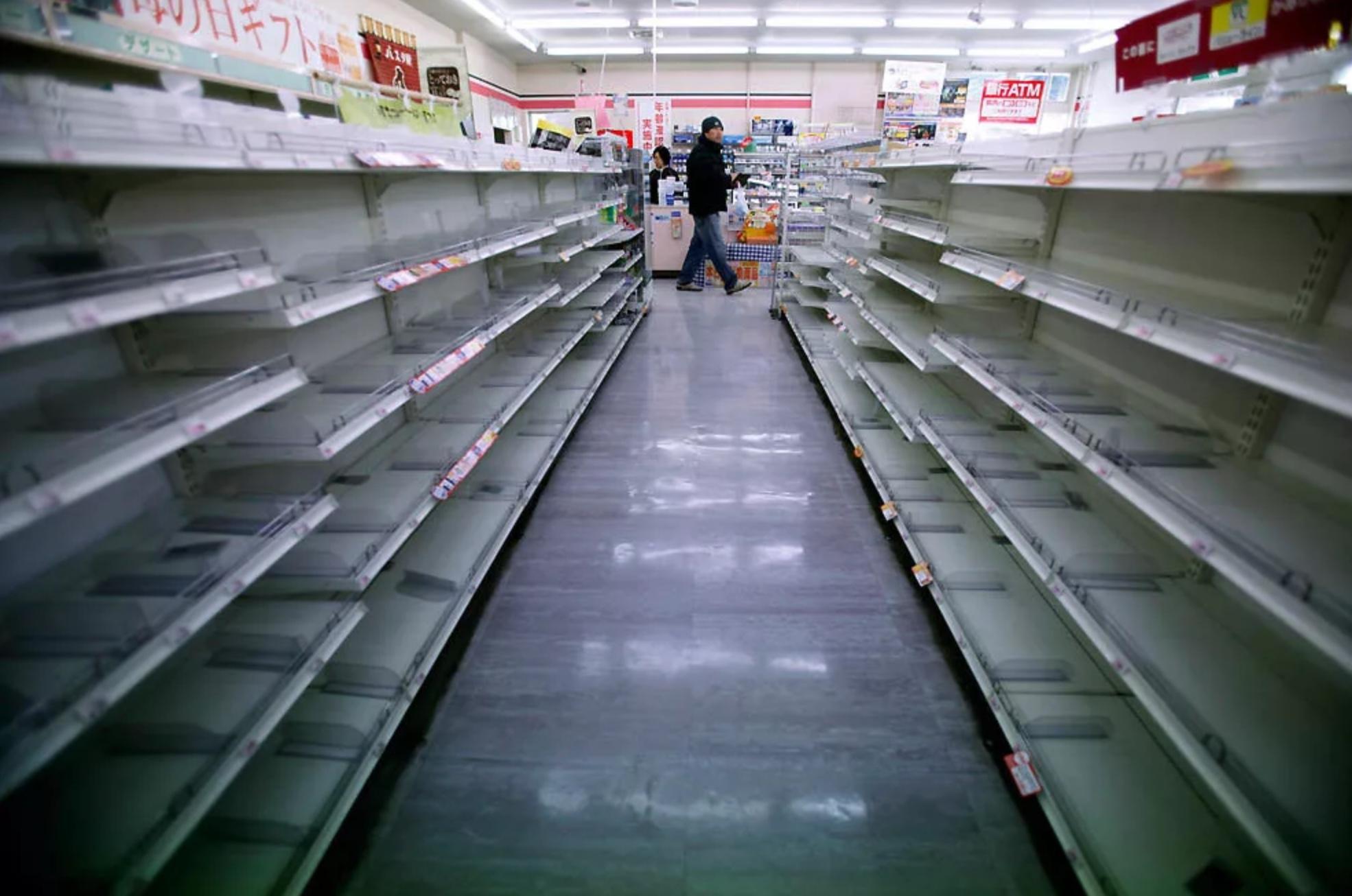 Минпромторг опроверг вероятность дефицита продуктов в России