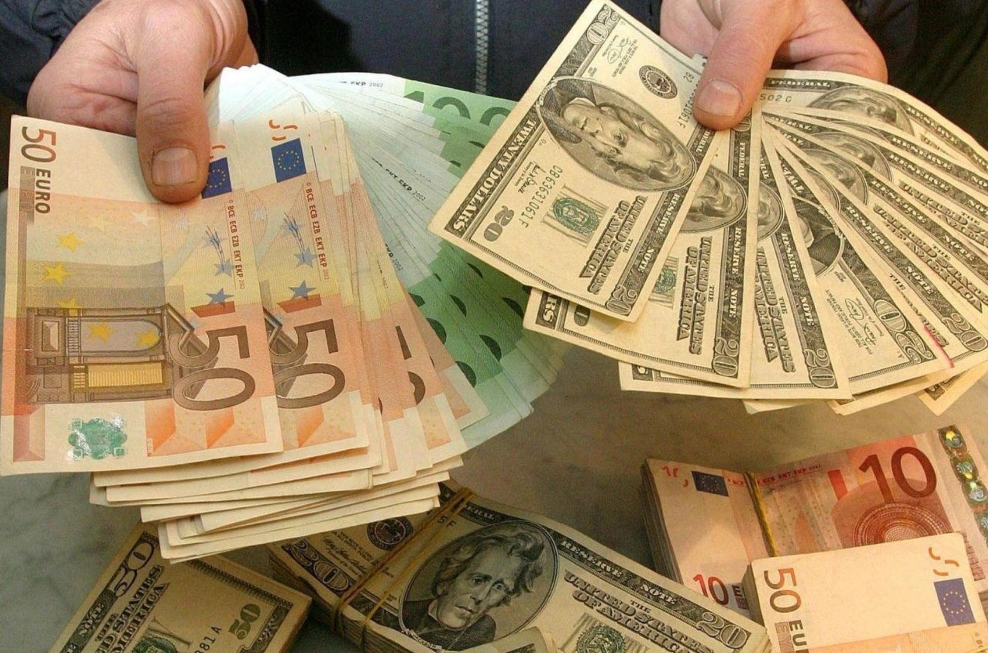 Впервые курс валют стремительно понижается