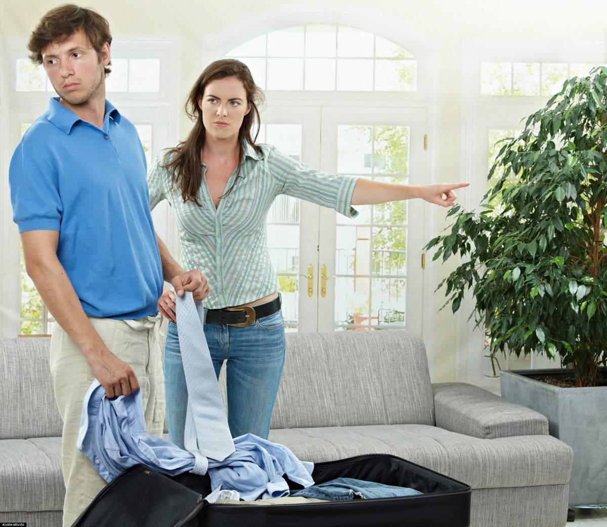 Как выселить мужа из дома, если ему принадлежит половина