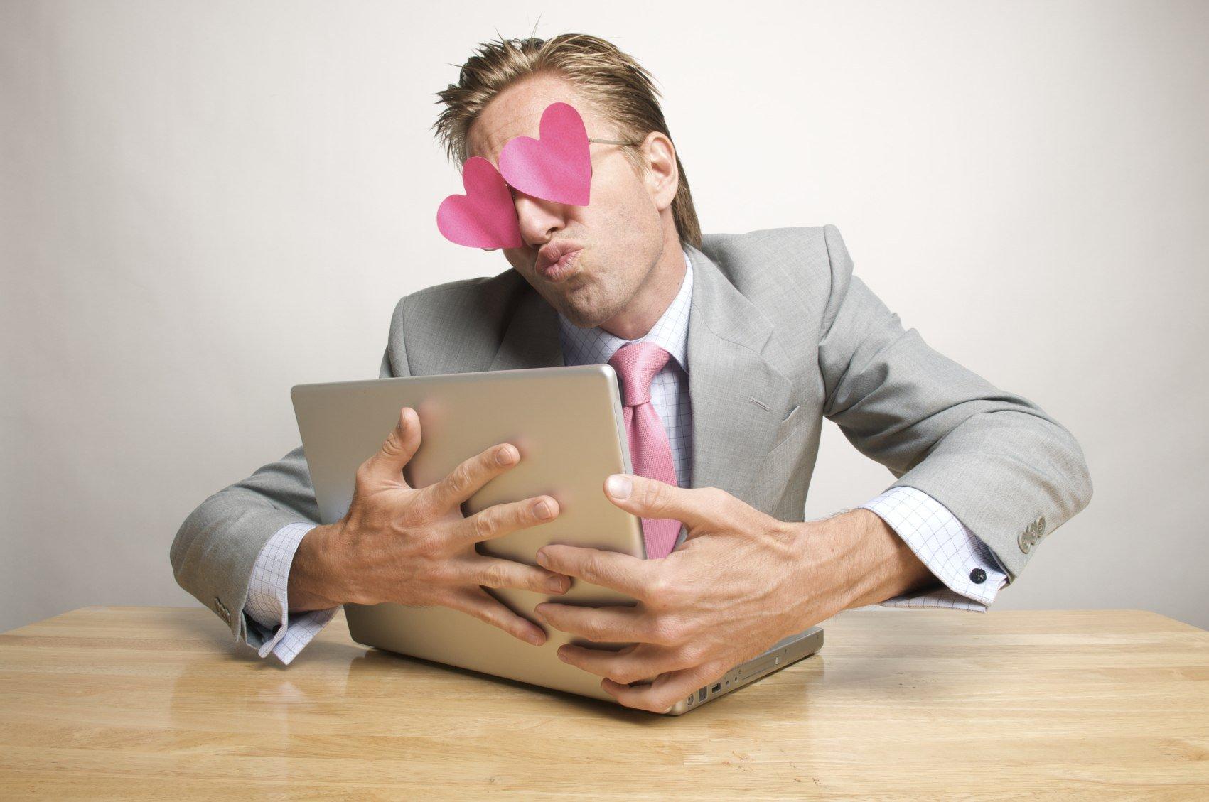 Как людей обманывают на сайтах знакомств