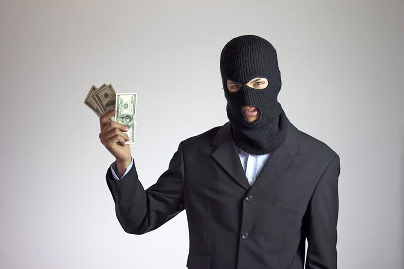 Когда не стоит быть доверчивым: 3 главные схемы мошенников
