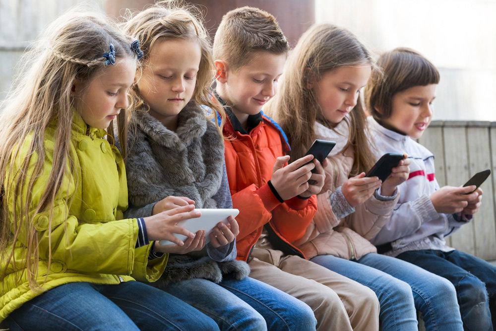 Путин планирует ограничить число детей мигрантов в школах