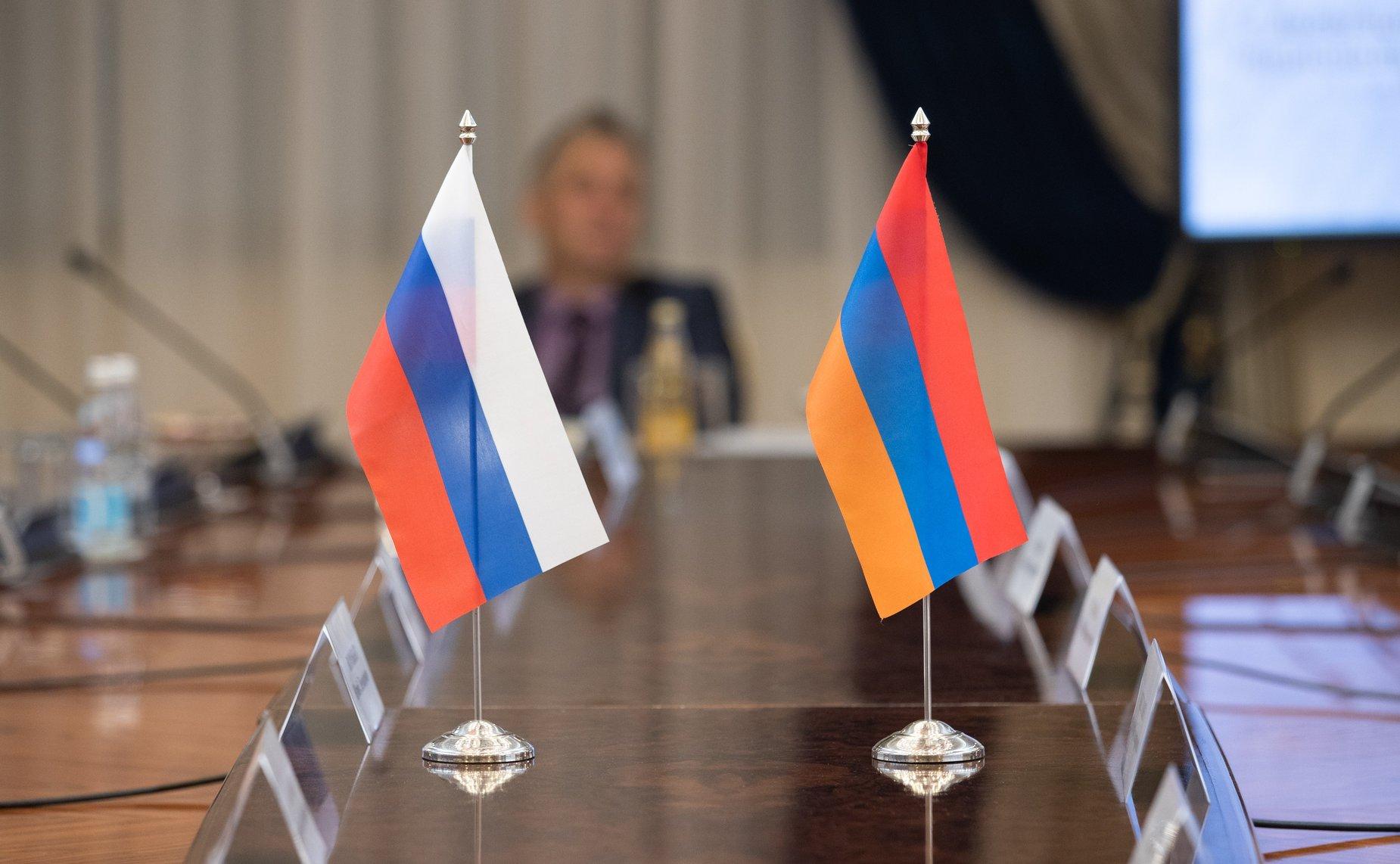 Не имея альтернативы, Россия делает ставку на находящегося в боевом положении премьер-министра Армении Пашиняна