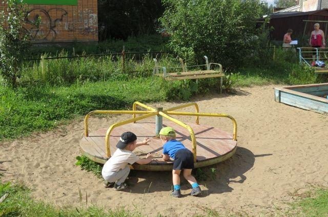 Нормы строительства детских и спортивных площадок нарушены в 50% случаев