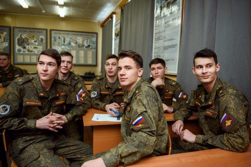 Профильный комитет Госдумы одобрил предоставление отсрочки в платежах по кредитам военнослужащим