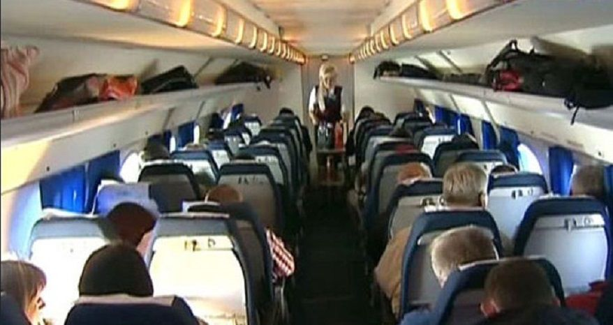 К дебоширам в самолете разрешили применять силу