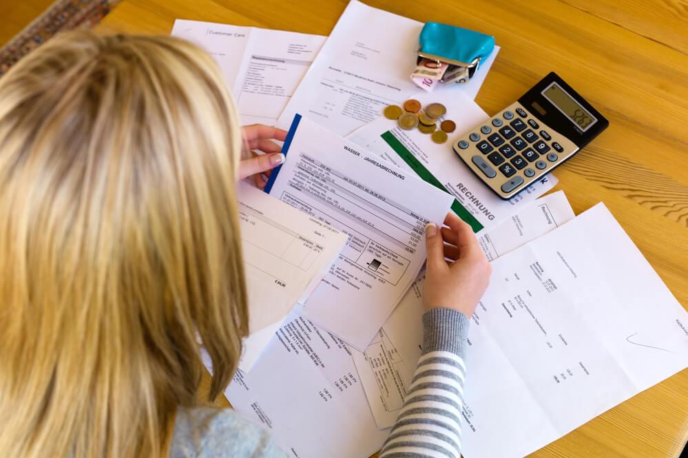 Когда должнику прощают задолженность по оплате за коммунальные услуги