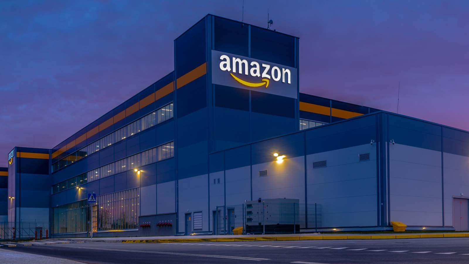 Развивающийся Europe.com усиливает оборону по мере того, как Amazon входит в Польшу
